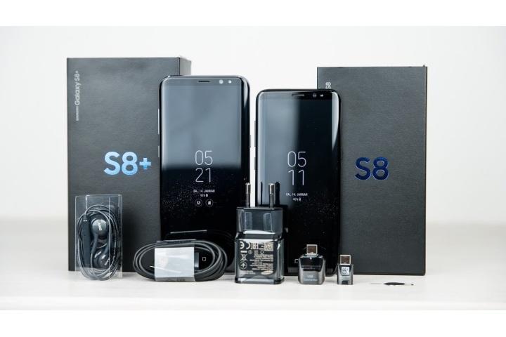 Đập hộp Samsung Galaxy S8: Tất cả phụ kiện đều là màu đen