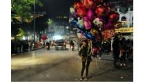 Trắng đêm mưu sinh trong đêm giao thừa ở Hà Nội-Tin tức