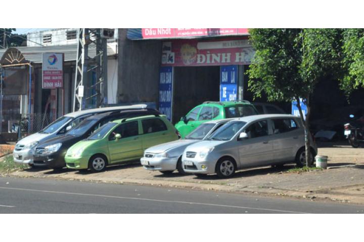 """Mua ôtô cũ, coi chừng """"tiền mất tật mang"""" - Báo Đắk Lắk điện tử"""