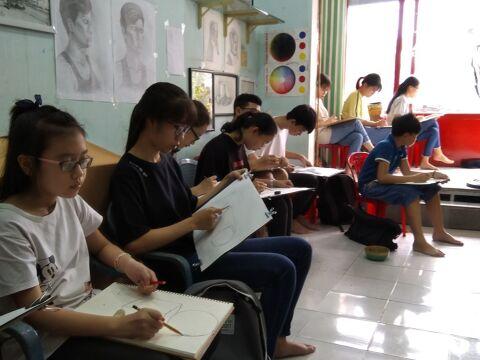 Lớp vẽ Thầy Hồ